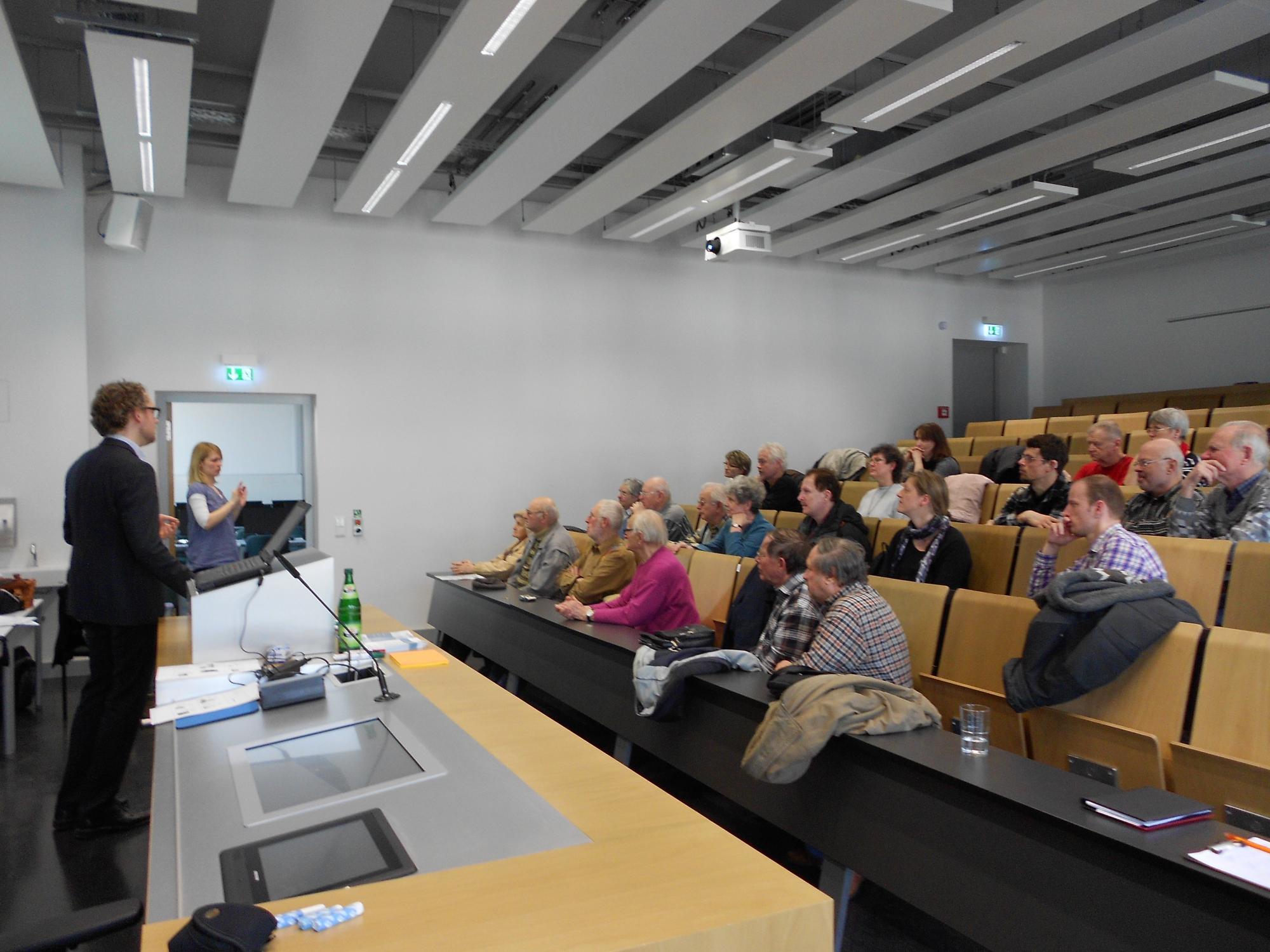 09.04.13 in einem Hörsaal der Evangelischen Hochschule Dresden